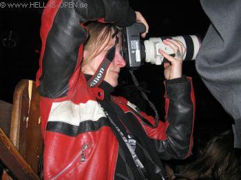 LEGION OF THE DAMNED Sie macht Fotos für Metalhammer und Legacy